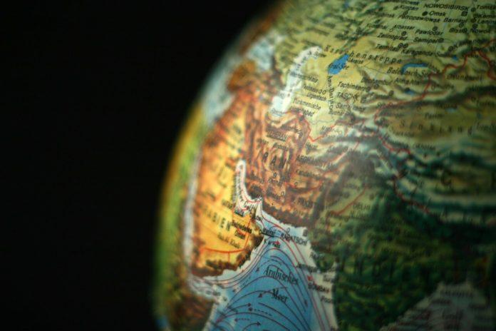 kritika, nafta, bliski istoh