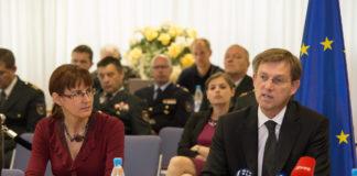 slovenska vlada, arbitražna odluka, tužba, Miro Cerar