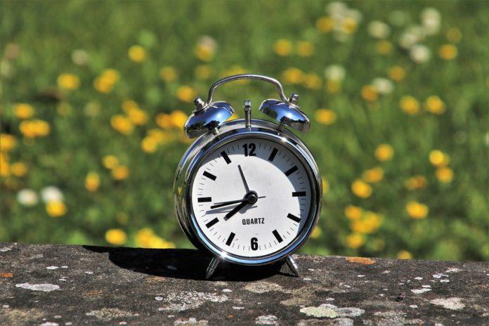 pomicanje sata, ljetno računanje vremena, europska komisija