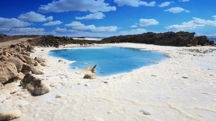 Mrtvo more, ekološka šteta, turizam