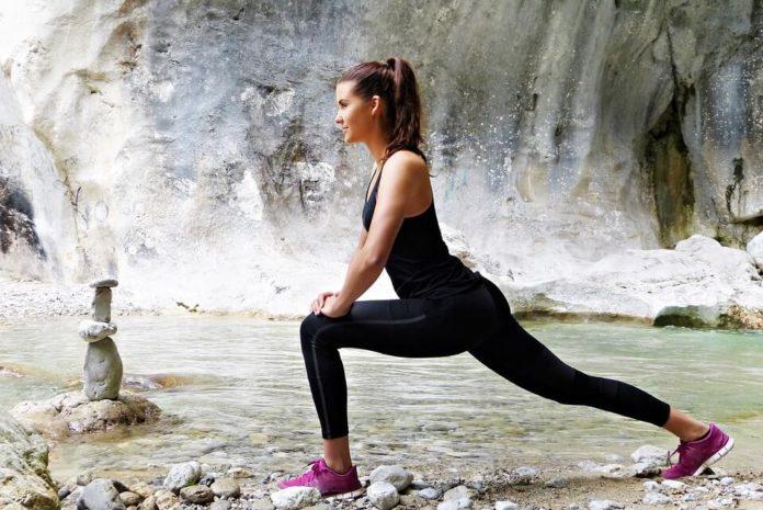 djevojka, vježbanje u prirodi, kako ostati fit