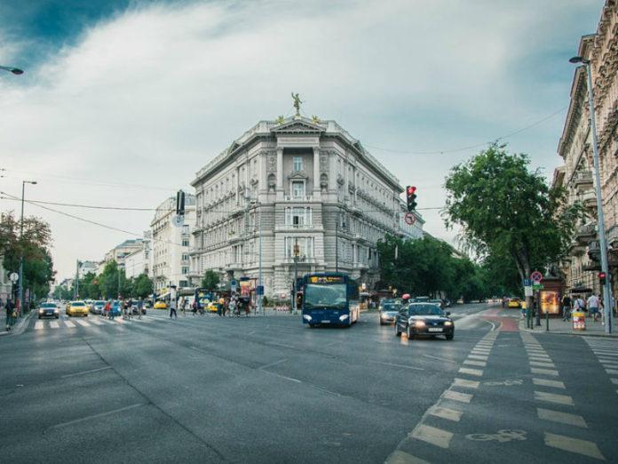 gradska ulica, automobili
